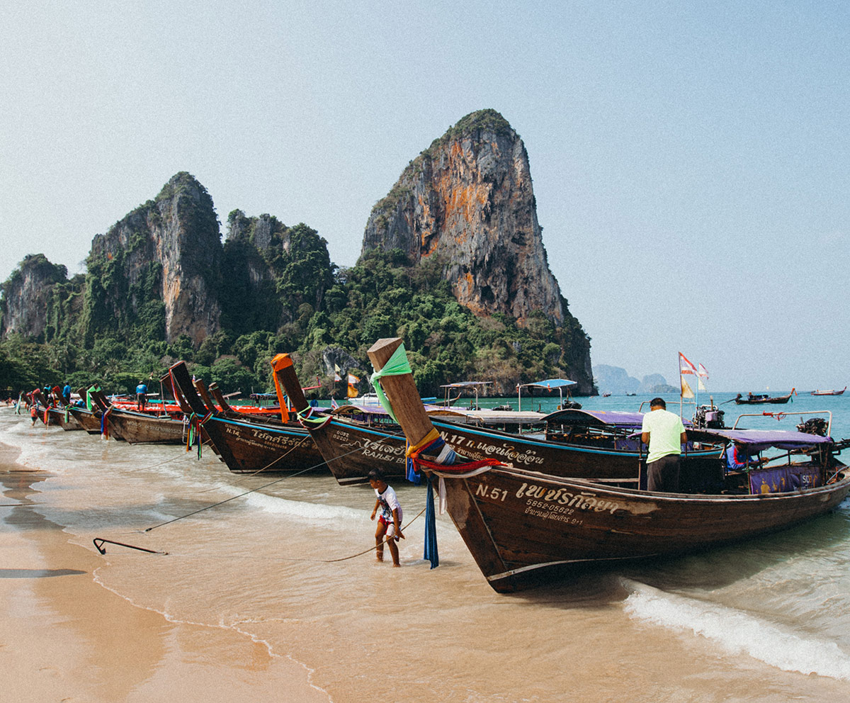 railay-beach-boats1