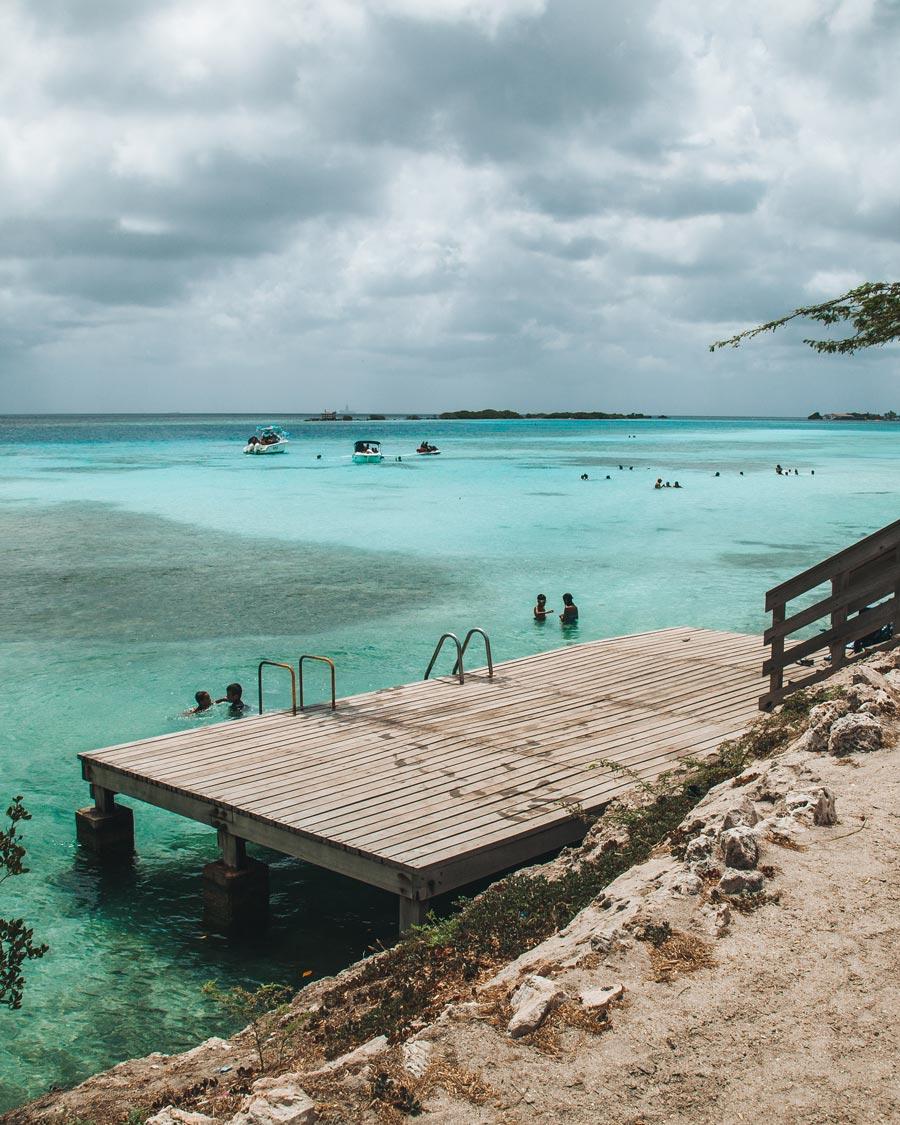 aruba-mangel-halto-beach-deck