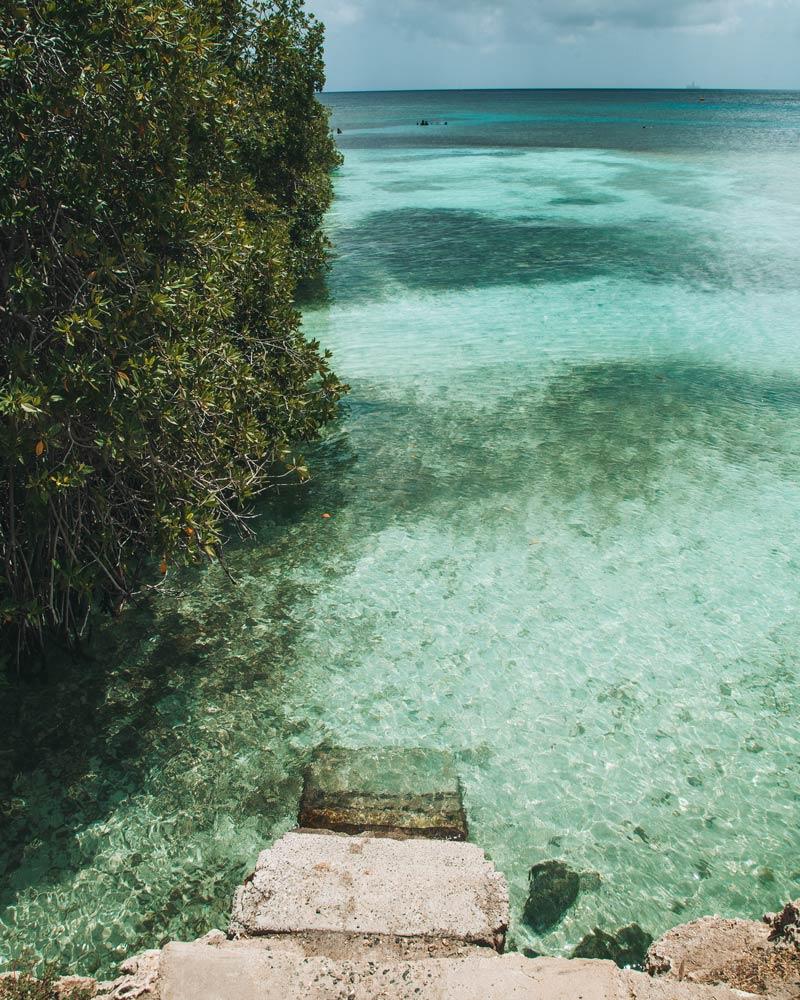 mangel-halto-aruba-stairs-water