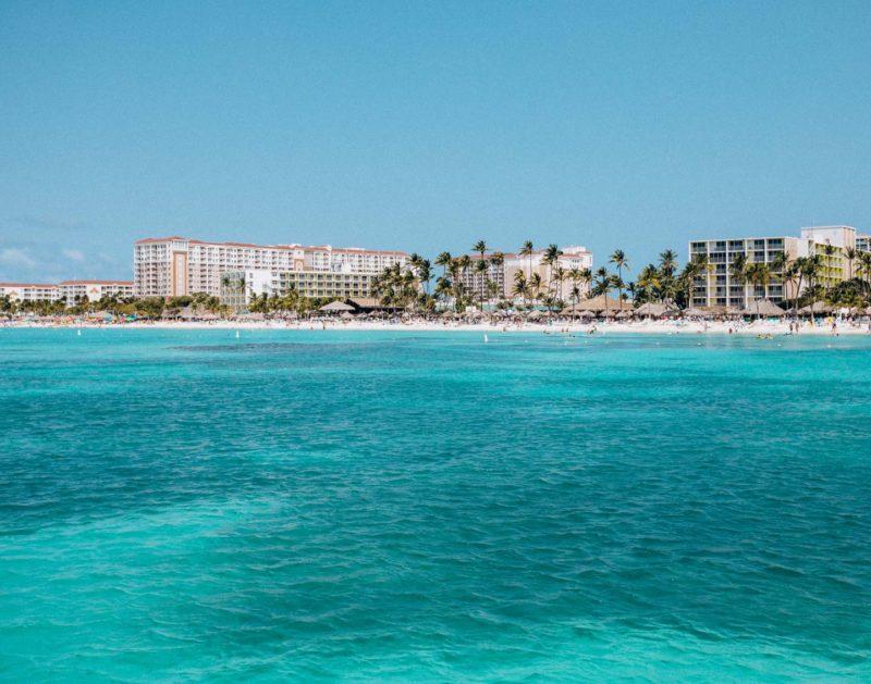 palm-beach-holiday-inn-aruba