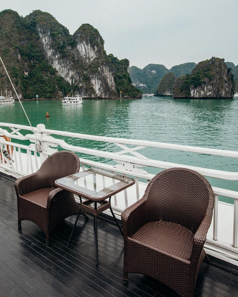 ha-long-bay-syrena-cruises-upper-deck