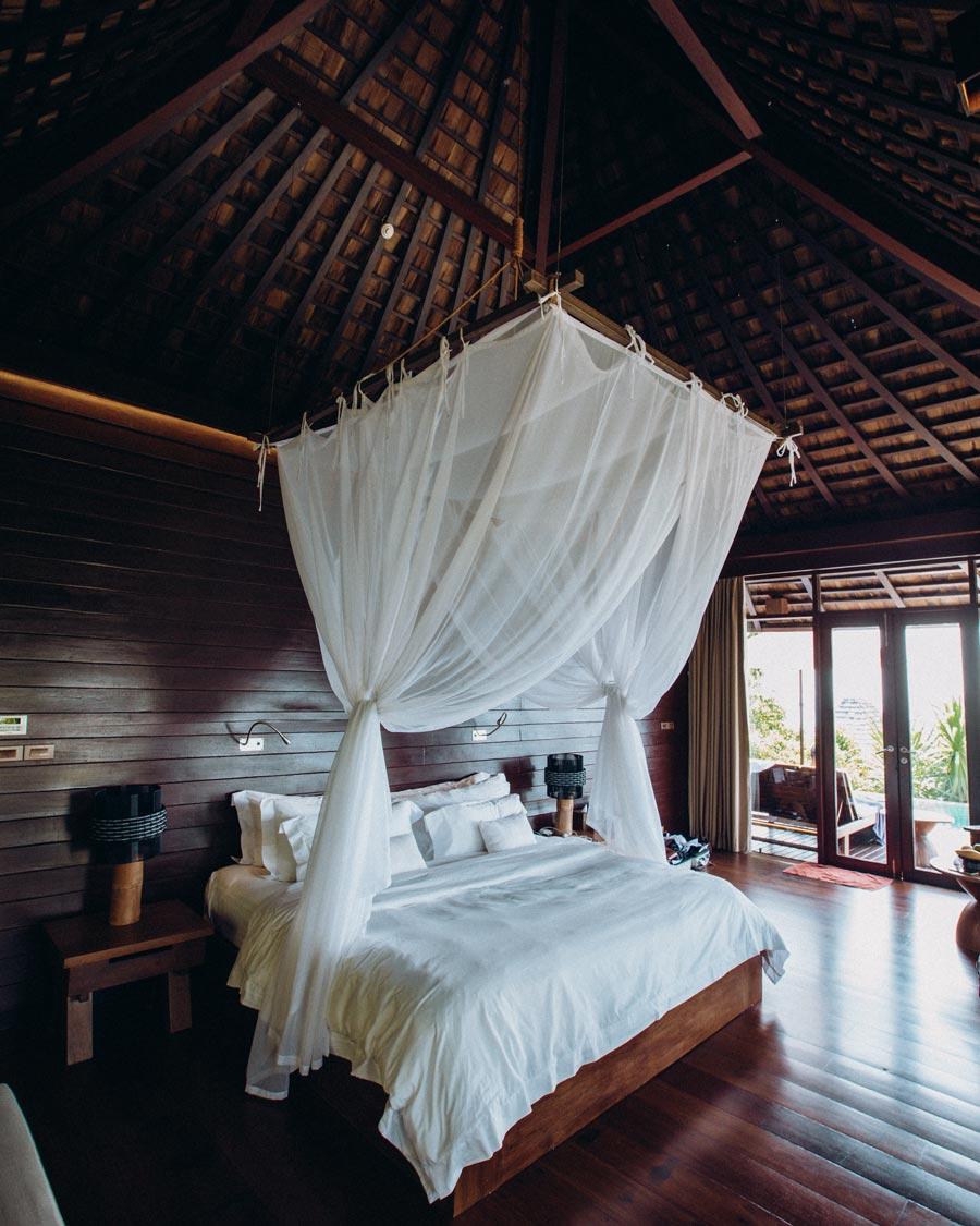 silavadee-resort-private-villa-bed