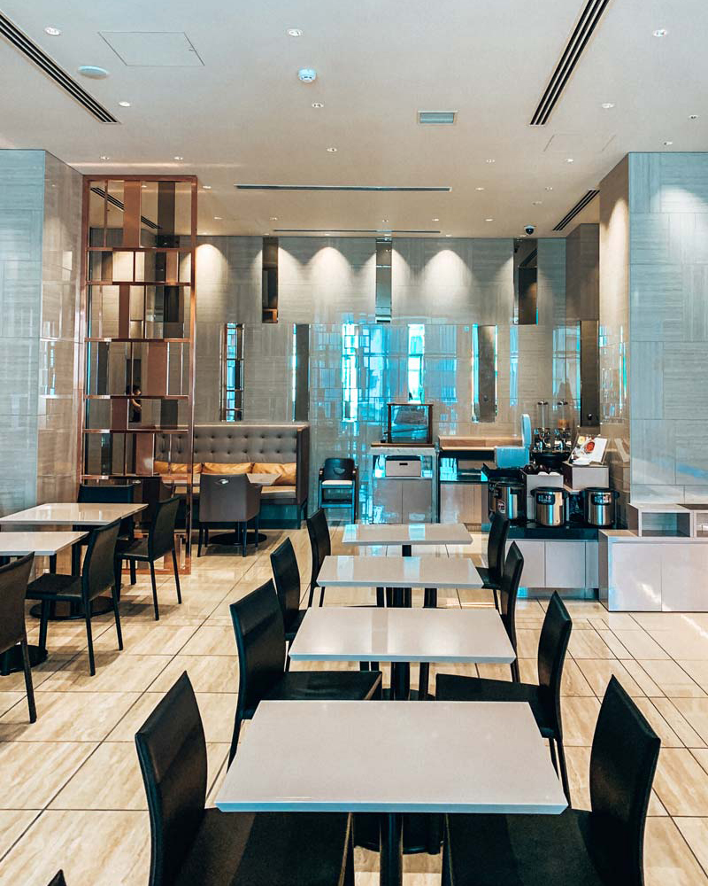 candeo-hotel-tokyo-roppongi-breakfast-area