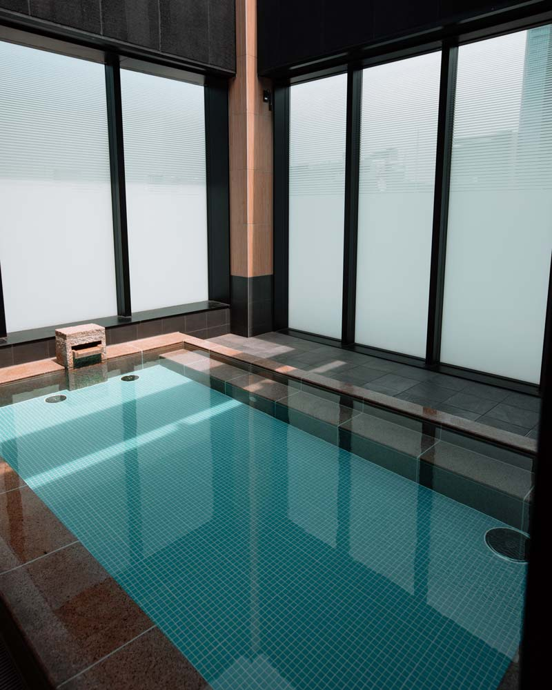 skyspa-pool-womens-area