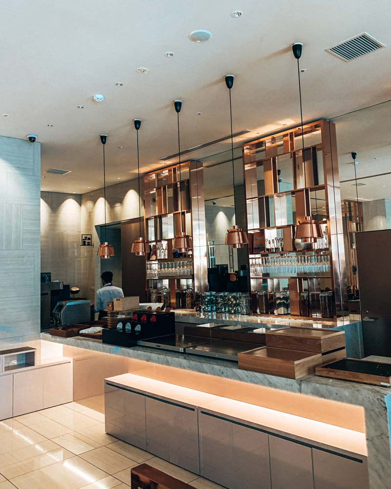 tokyo-candeo-hotels-breakfast-restaurant