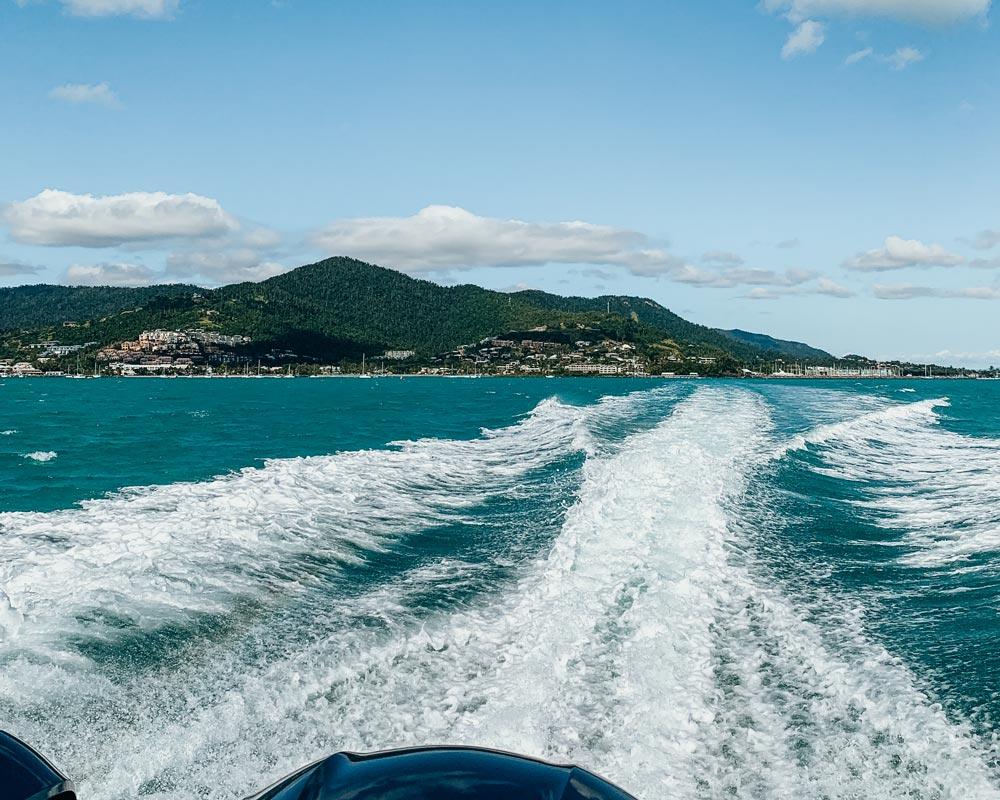 australia-queensland-road-trip-whitehaven-beach-rafting