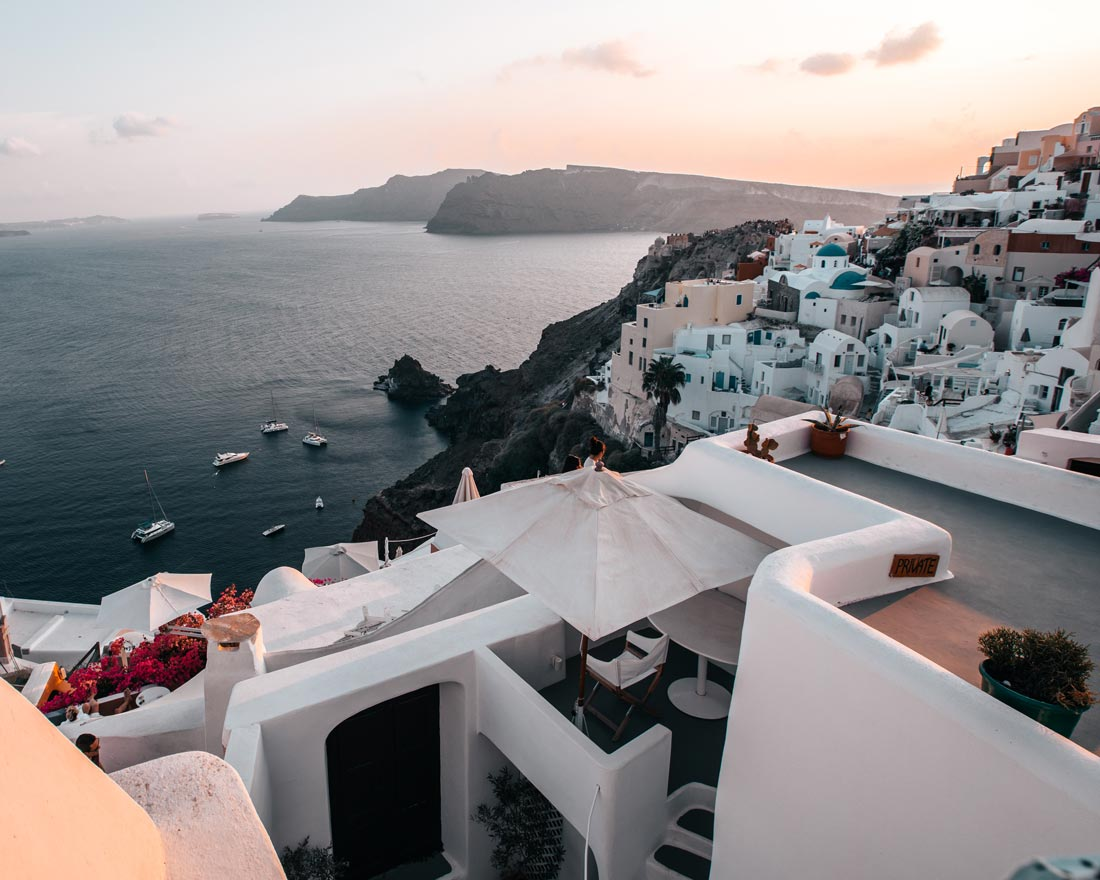 oia-where-to-stay-in-santorini
