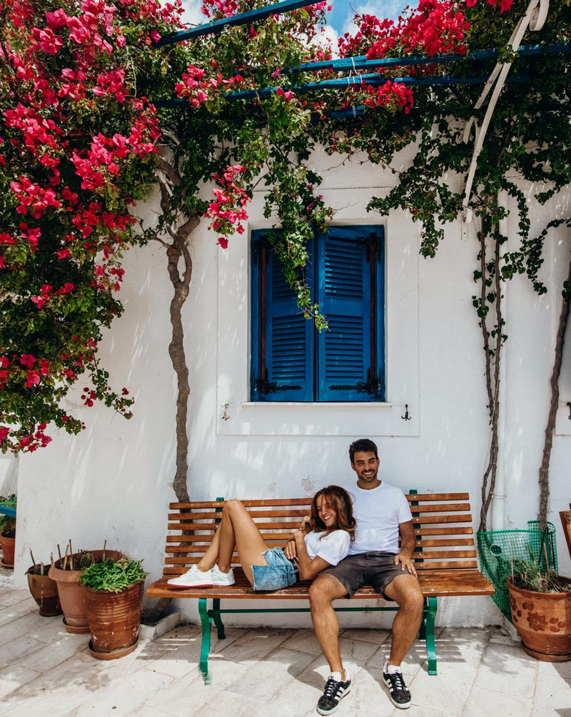 greece-couple-pictures