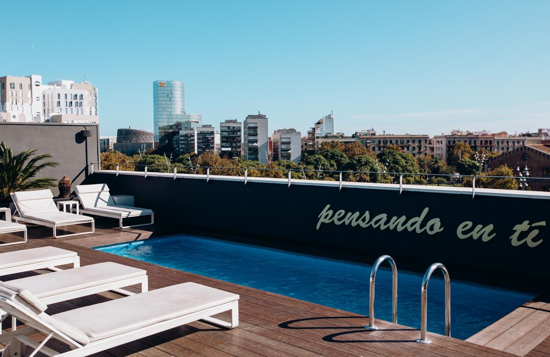 barcelona-hotel-rooftop-pool
