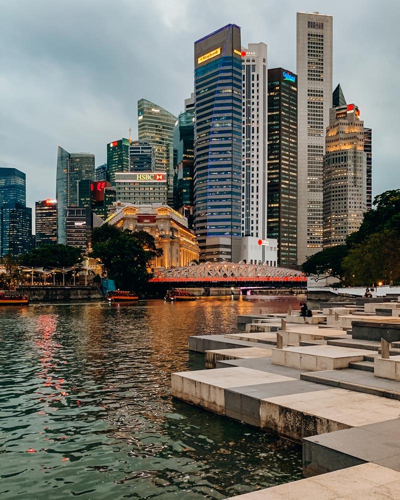 singapore-esplanade-view-at-night