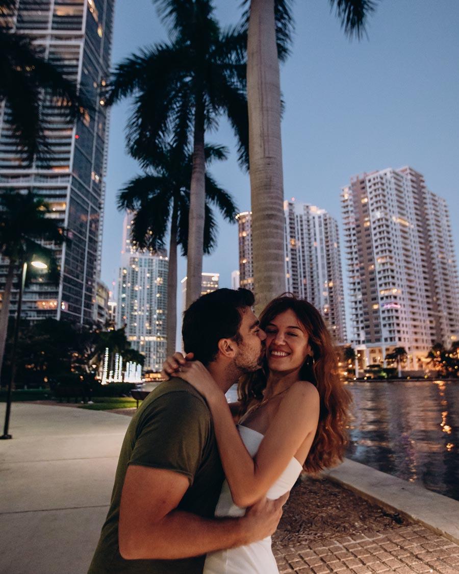 miami-sunset-brickell-couple-florida