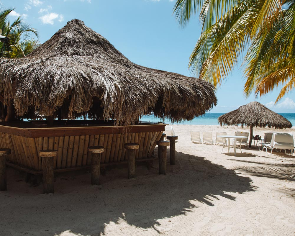 beach-hut-couples-resort