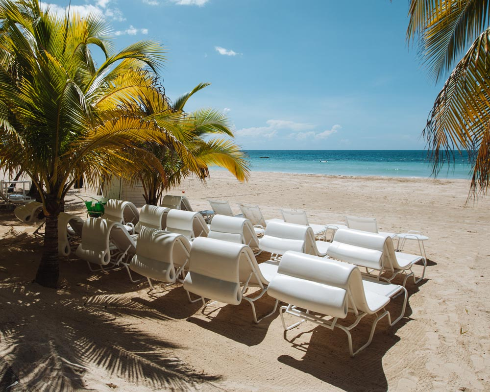 couples-resort-beach-photos