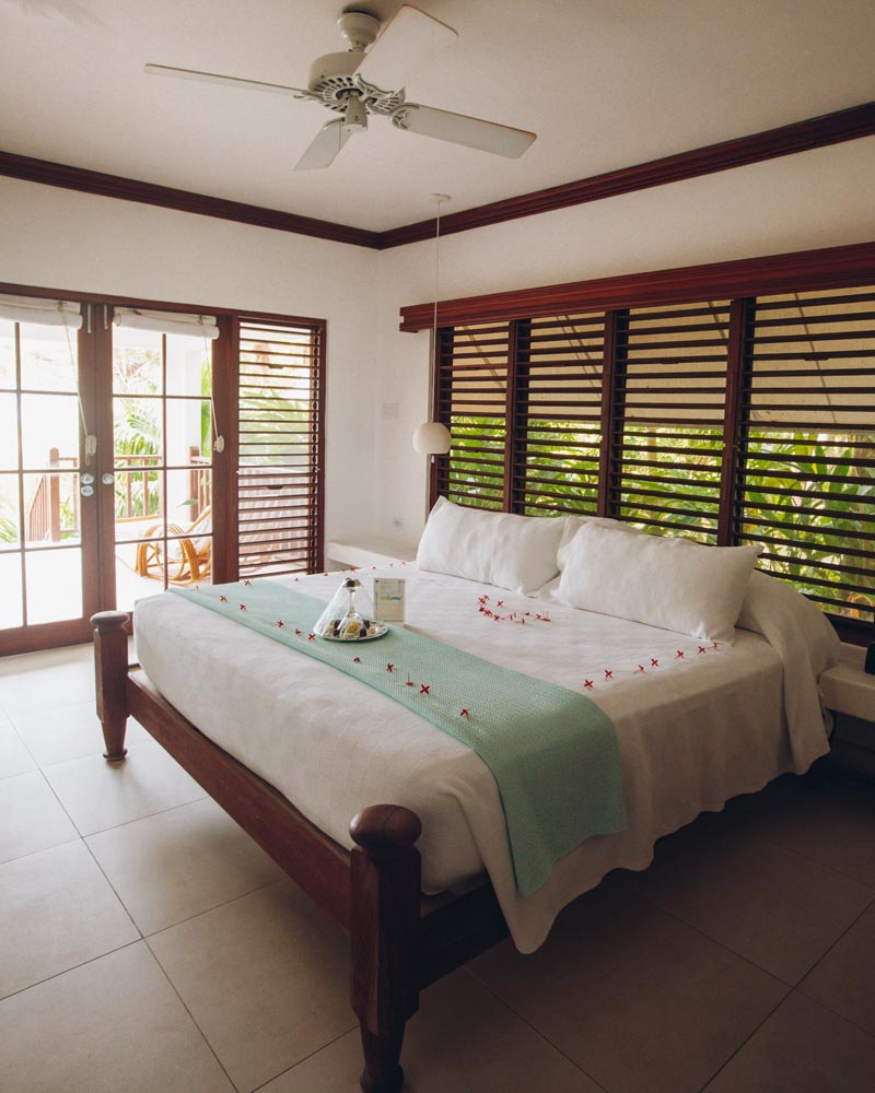 couples-resort-swept-away-jamaica-room