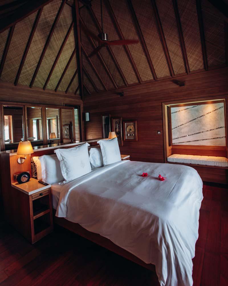 four-seasons-bora-bora-bedroom-overwater-bungalow