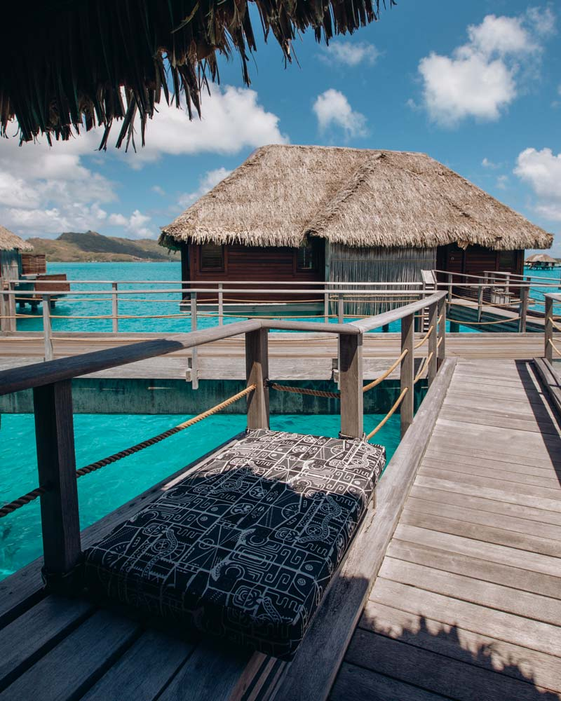 four-seasons-bora-bora-overwater-bungalows