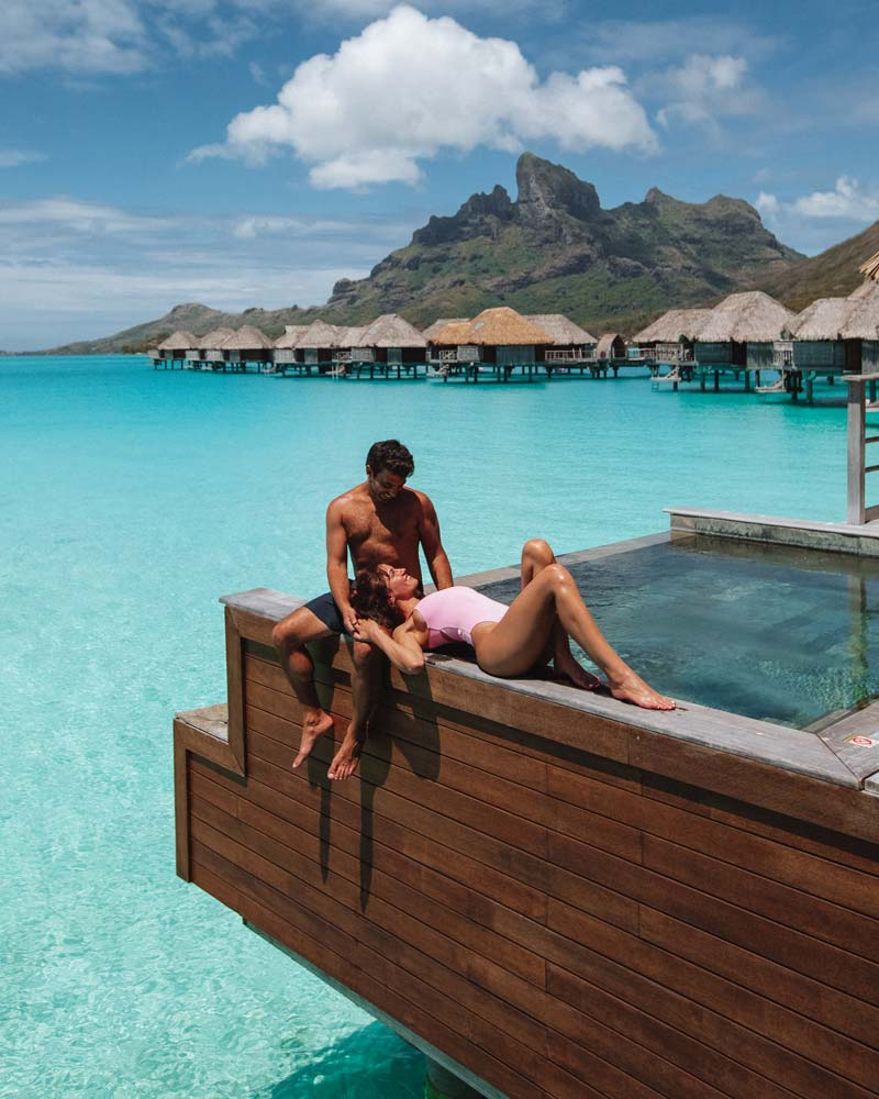 four-seasons-bora-bora-poerava-overwater-bungalows
