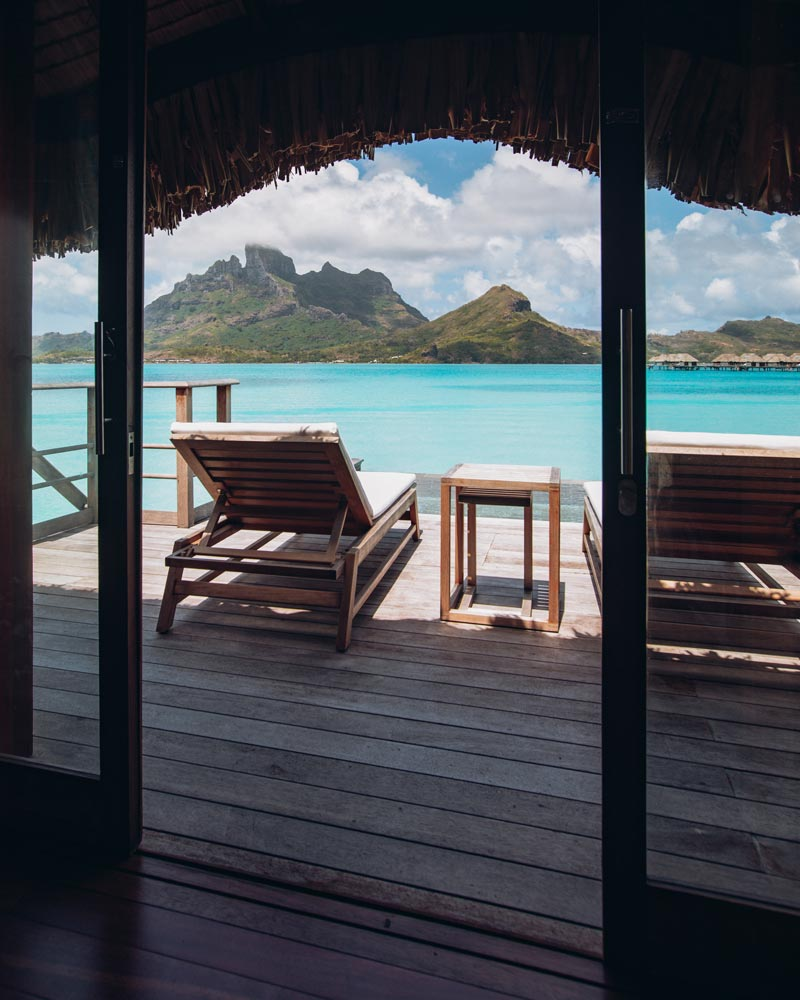 one-bedroom-specialty-overwater-bungalow-four-seasons