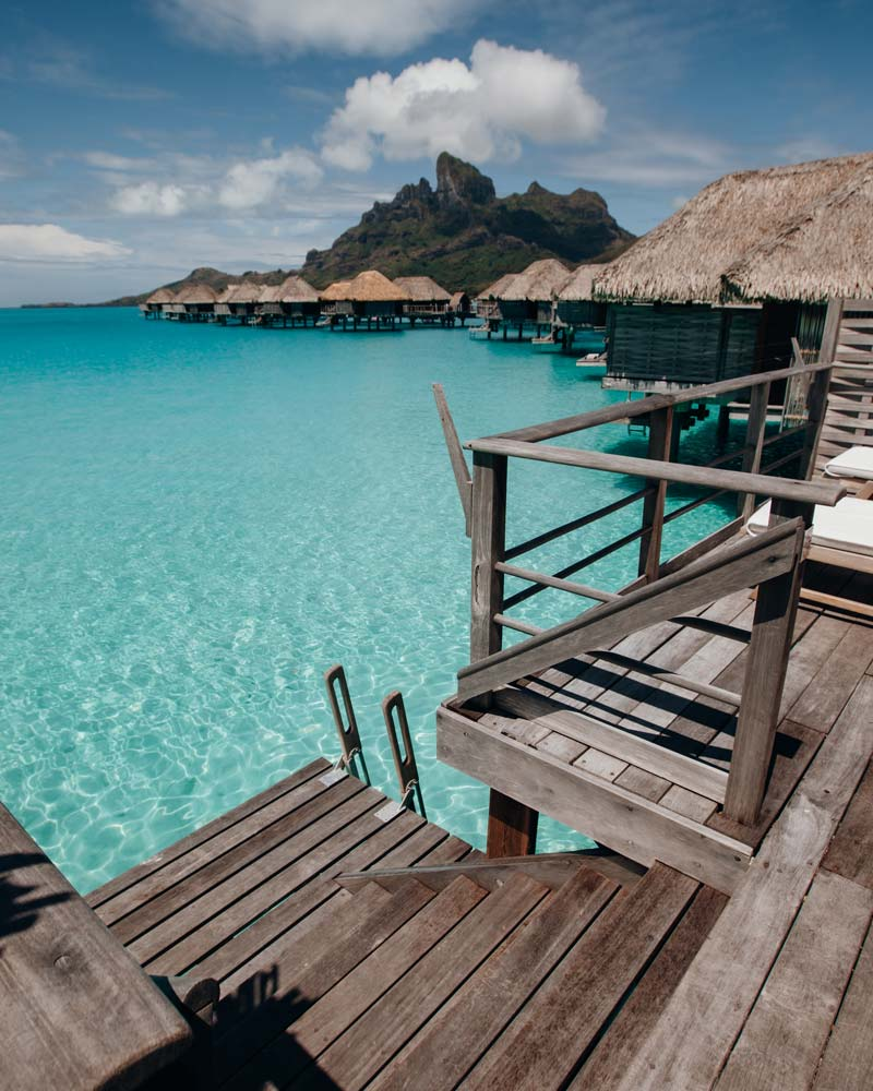 poerava-suite-overwater-bungalow-four-seasons-bora-bora
