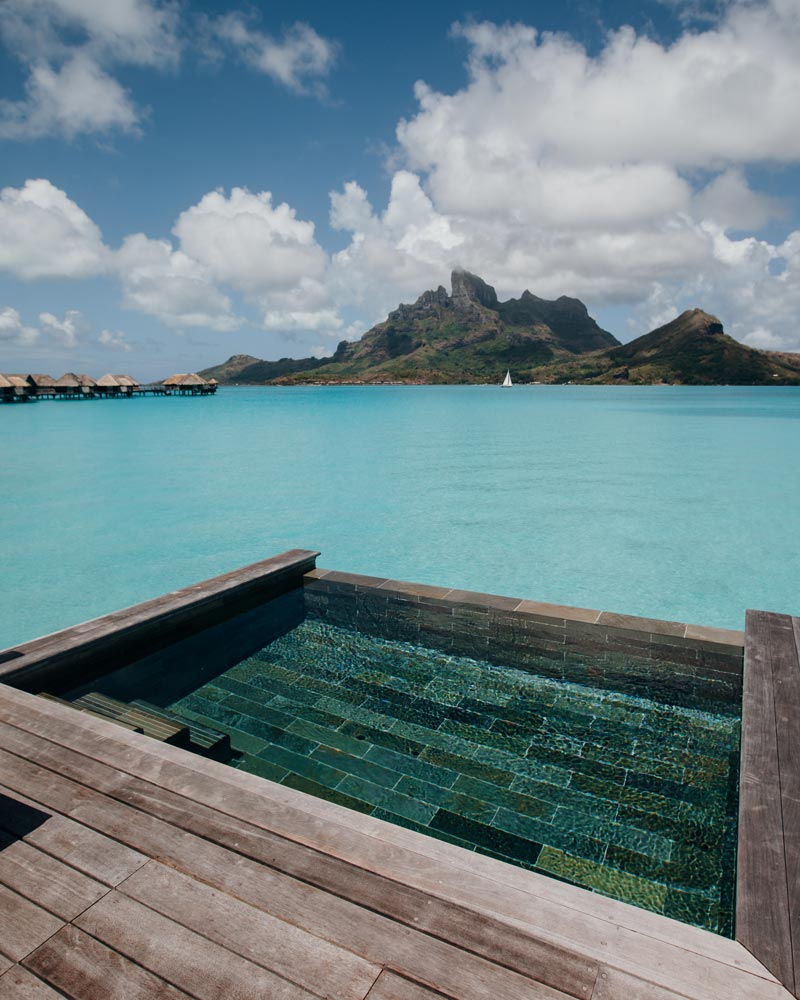 specialty-overwater-bungalow-four-seasons-bora-bora