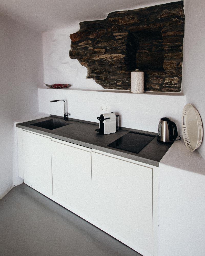 aeolis-tinos-cave-room-suite