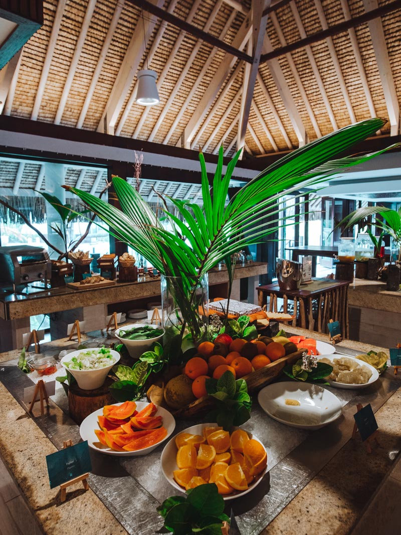 bora-bora-breakfast-restaurant