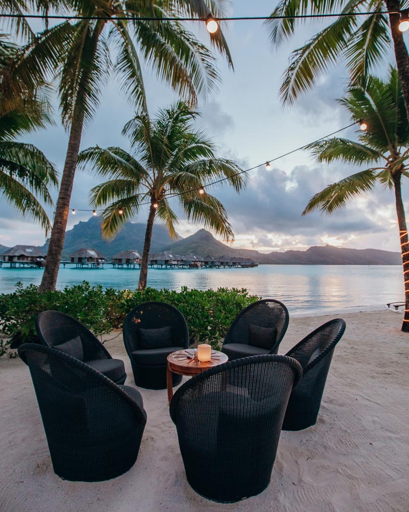 four-seasons-bora-bora-restaurants