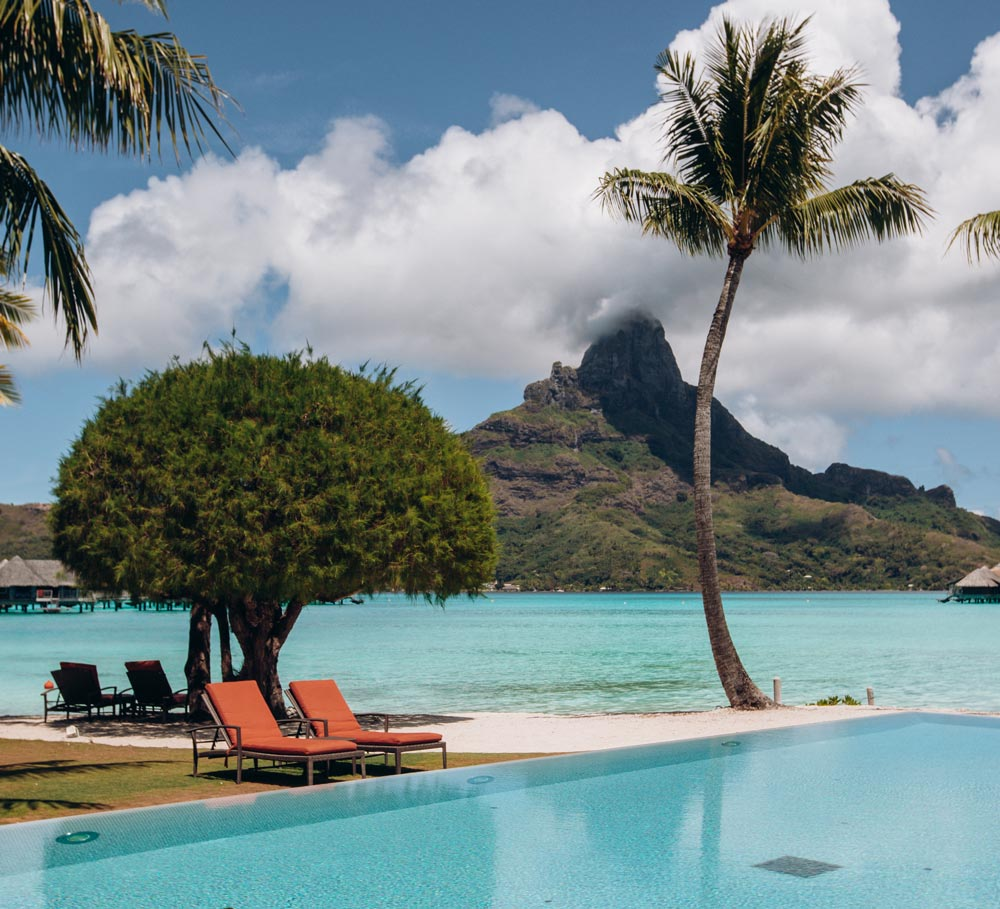 intercontinental-thalasso-bora-bora-infinity-pool