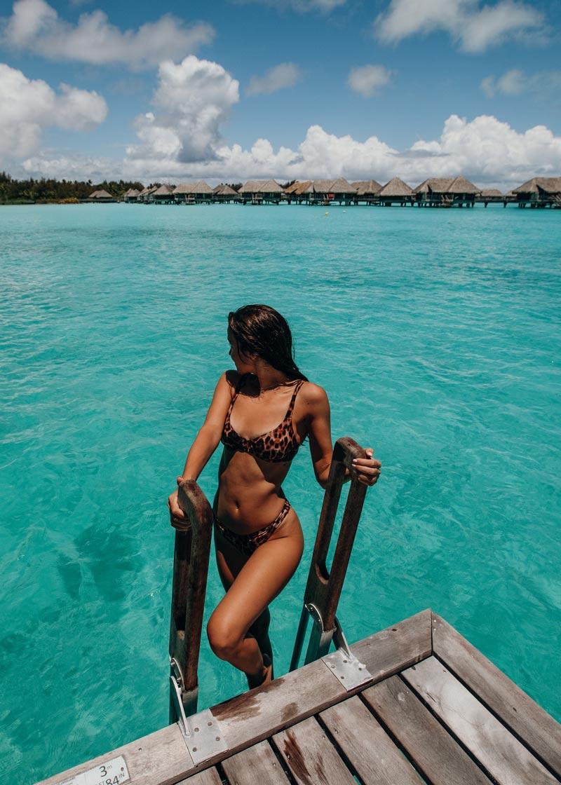 overwater-bungalow-deck-intercontinental-thalasso bora bora