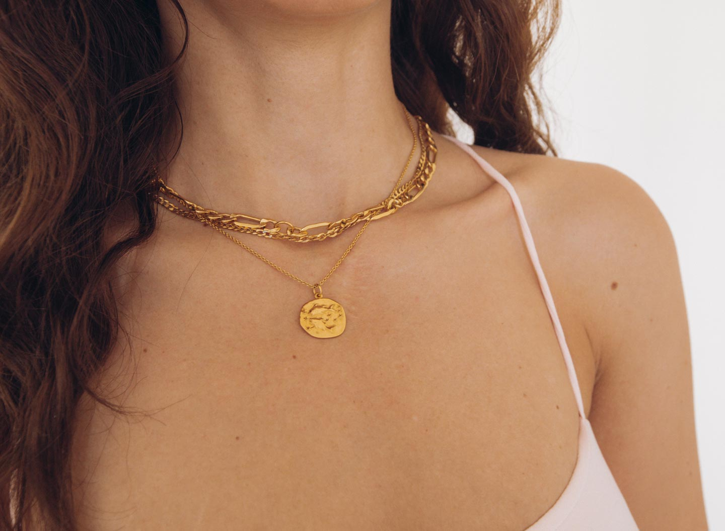 layering-jewelry-gold-cuban-chain-rellery